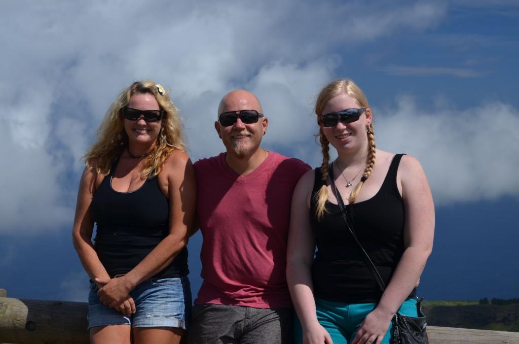 Joe, Heidi and Shannon, from S/V Huck